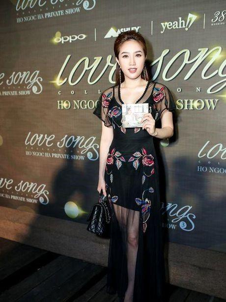 Hariwon gia bi che gia - Bao Thy 'lu mo' nhan sac truoc Ho Ngoc Ha - Anh 2