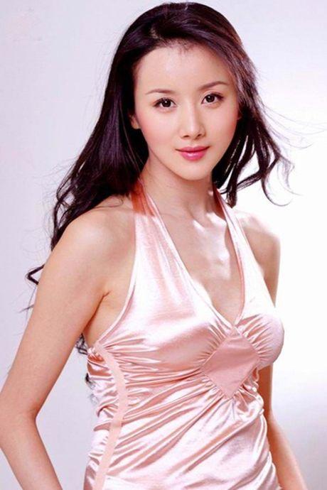 'De nhat my nu co dien' Hoa ngu tan tanh su nghiep vi tham my va scandal - Anh 1