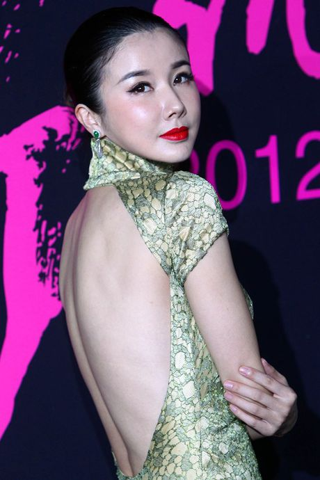 'De nhat my nu co dien' Hoa ngu tan tanh su nghiep vi tham my va scandal - Anh 6