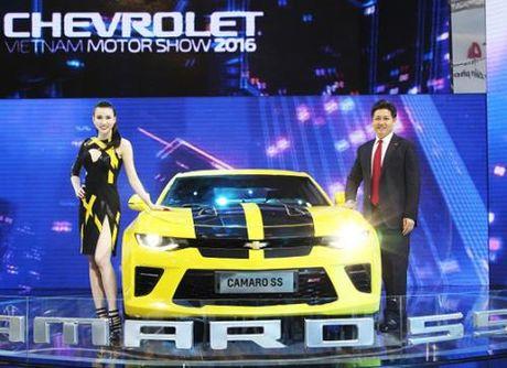 GM Viet Nam se phan phoi Chevrolet Camaro SS lung danh the gioi - Anh 1