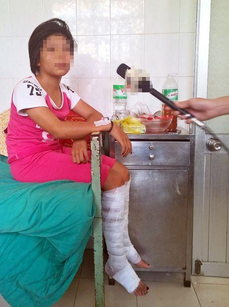 Vu thieu nu dot truong vi 1.000 like tren facebook: 'Neu em khong dot thi se bi cac ban danh' - Anh 1