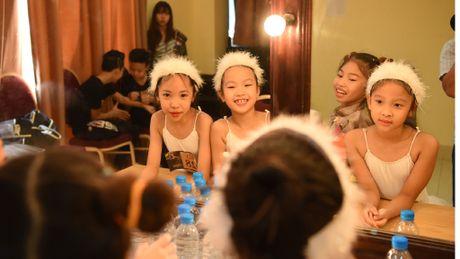 Ballet Nga tuyen vu cong nhi cho vo 'Kep hat de' - Anh 1