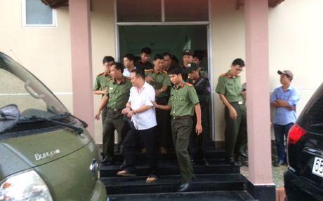 Nguyen giam doc Cong ty thuy san Nam Song Hau bi bat - Anh 1