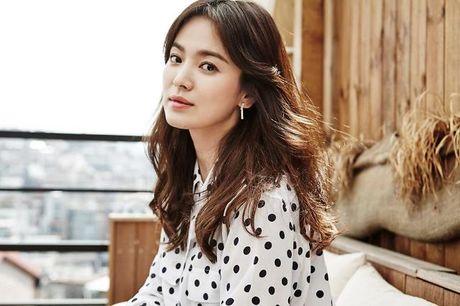 Nguoi tung tin Song Hye Kyo co dai gia bi phat gan 3.000 USD - Anh 1