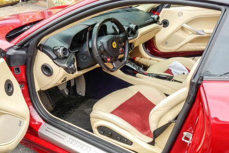 Sieu xe Ferrari F12 ban do nhap Dubai ra bien so Sai Gon - Anh 5