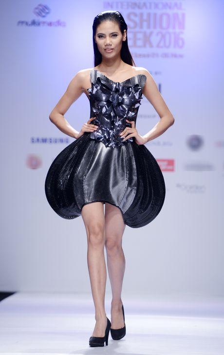 Dan mau Next Top Model kieu sa tren san dien Ha Noi - Anh 11