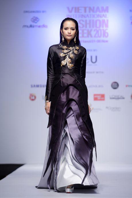 Dan mau Next Top Model kieu sa tren san dien Ha Noi - Anh 2