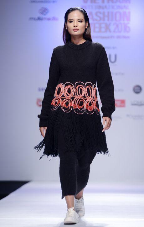 Dan mau Next Top Model kieu sa tren san dien Ha Noi - Anh 5