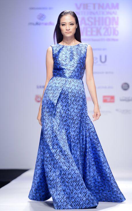 Dan mau Next Top Model kieu sa tren san dien Ha Noi - Anh 7