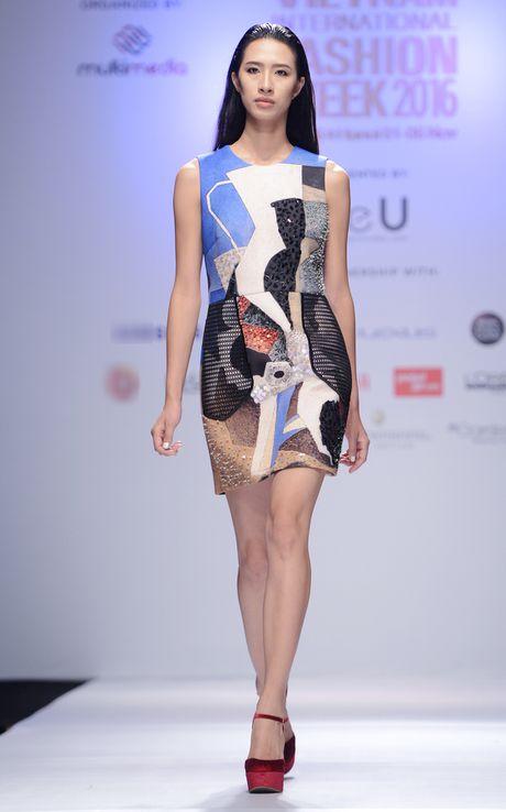 Dan mau Next Top Model kieu sa tren san dien Ha Noi - Anh 8