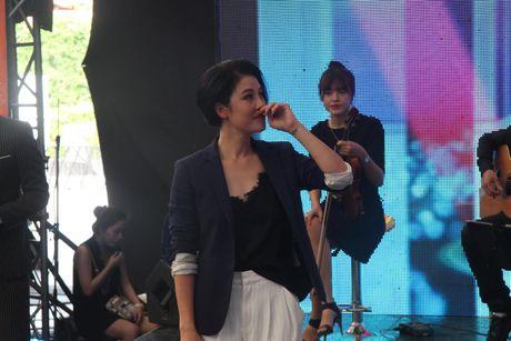 Thu Phuong nguong vi bi chong goi la 'Be' tren song truc tiep - Anh 2