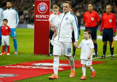 Con trai lon nha Rooney dau quan cho MU - Anh 2