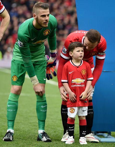 Con trai lon nha Rooney dau quan cho MU - Anh 3