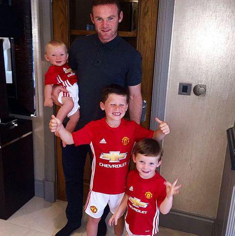 Con trai lon nha Rooney dau quan cho MU - Anh 4