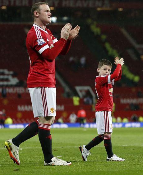 Con trai lon nha Rooney dau quan cho MU - Anh 5