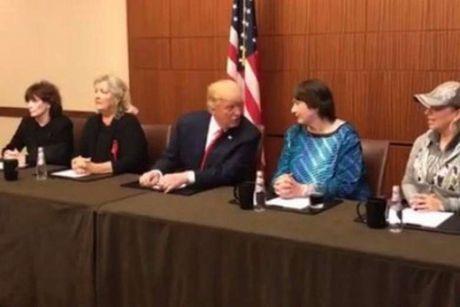 Trump-Clinton tai dau: Hai ben da chuan bi nhung gi? - Anh 1