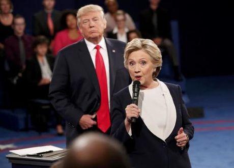 Ba Hillary Clinton noi Donald Trump 'loi dung Nga' trong tranh luan lan 2 - Anh 1