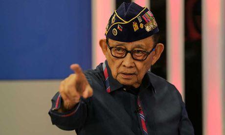 Cuu tong thong Philippines noi chinh quyen Duterte 'te hai' - Anh 1