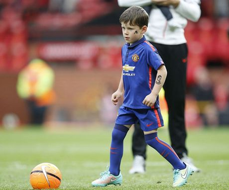 Con trai Rooney, Carrick theo buoc cha gia nhap Man United - Anh 2