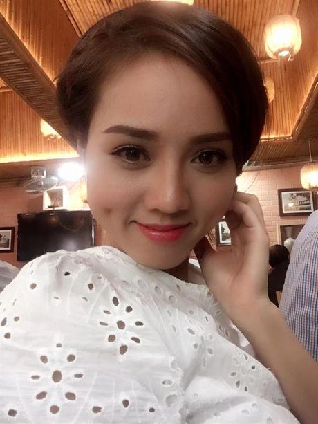Can canh nhan sac ban gai phong vien xinh nhu hotgirl cua dien vien Cong Ly - Anh 2