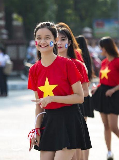 Chum anh: Man trinh dien dan vu tre trung cua thanh nien Hue - Anh 7
