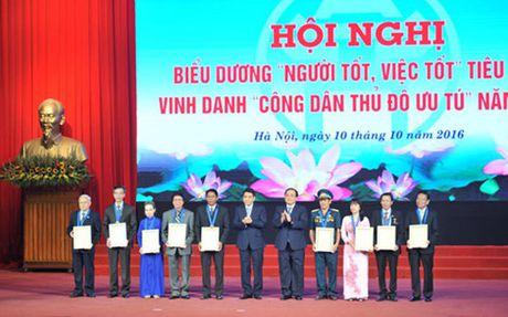 Ha Noi bieu duong 961 guong 'nguoi tot viec tot' va 9 cong dan uu tu - Anh 1