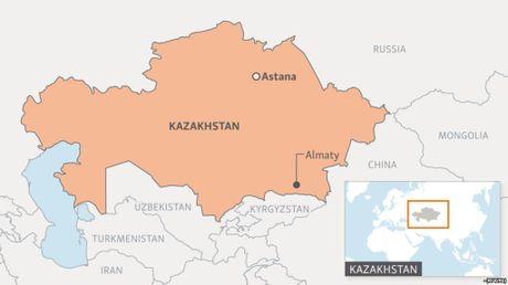 Kazakhstan bat 3 nghi can tan cong cac co quan an ninh - Anh 1