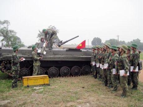 'Sat thu' chong tang tren xe chien dau BMP-1 Viet Nam - Anh 1