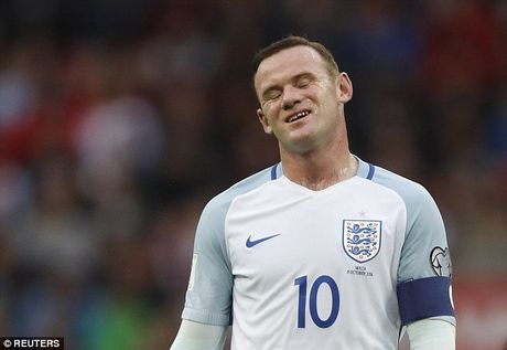 Sau cung, Gareth Southgate cung phai loai Wayne Rooney! - Anh 2