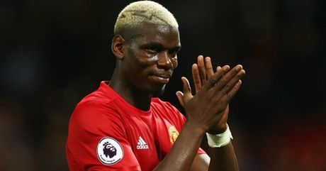 Mourinho nham Pogba voi Rashford va Bailly - Anh 1