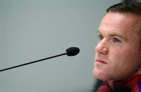 Chum anh: Rooney tram tu don tin du trong cuoc hop bao - Anh 7