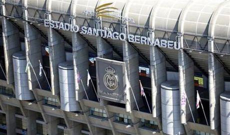 Real Madrid duoc bat den xanh cho viec nang cap Bernabeu - Anh 1