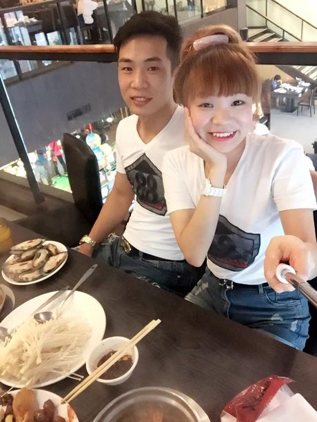 Bat mi ve cap doi xuat khau lao dong cau hon o san bay - Anh 5