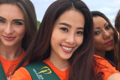 Hoa khoi Nam Em do sac cung dan nguoi dep Miss Earth - Anh 7