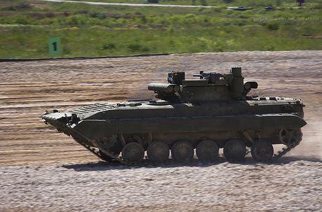 Vi sao BMP-2 loi thoi cua Nga 'can' duoc Bradley, Abram My? - Anh 3