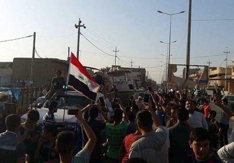 Quan doi Iraq giai phong lang mac o Anbar khoi IS - Anh 3