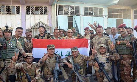 Quan doi Iraq giai phong lang mac o Anbar khoi IS - Anh 7