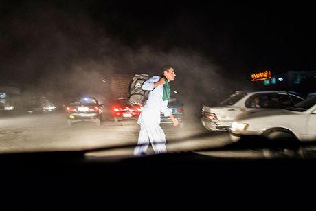 Hanh trinh den 'mien dat hua' cua nguoi ti nan Afghanistan - Anh 1