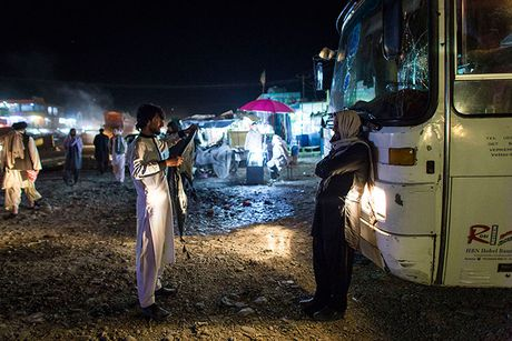 Hanh trinh den 'mien dat hua' cua nguoi ti nan Afghanistan - Anh 7
