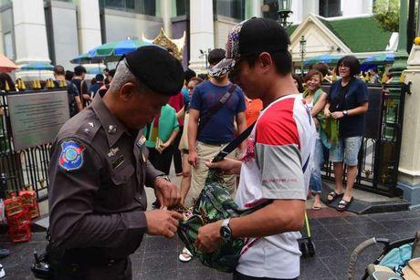 Thai Lan siet an ninh, canh bao nguy co danh bom Bangkok - Anh 1