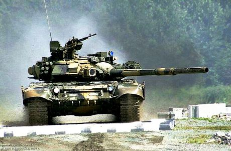Xe tang T-72, T-90 Nga se co the ngam ban tu dong nhu Armata - Anh 1
