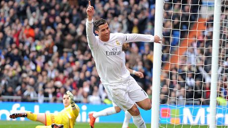 """""""Chiec lo xo"""" Ronaldo va niem hi vong cua Real - Anh 2"""