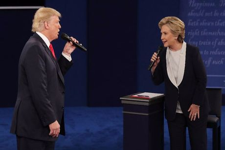 Hillary - Trump: Nay lua voi don cong kich ca nhan - Anh 1