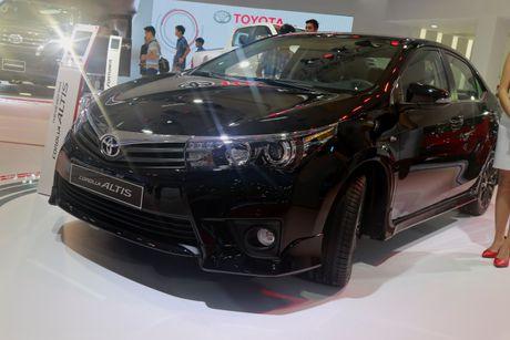 Toyota Corolla Altis tro lai top xe an khach sau thoi gian dai vang bong - Anh 1