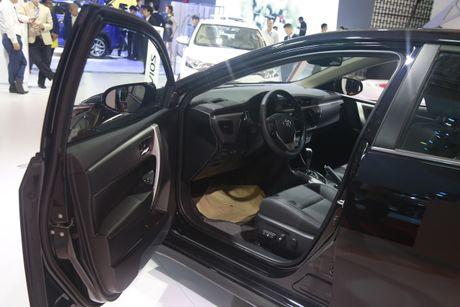Toyota Corolla Altis tro lai top xe an khach sau thoi gian dai vang bong - Anh 4