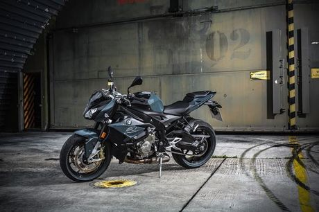 BMW S1000R HP 2017 chinh thuc lo dien - Anh 8