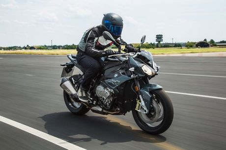 BMW S1000R HP 2017 chinh thuc lo dien - Anh 9