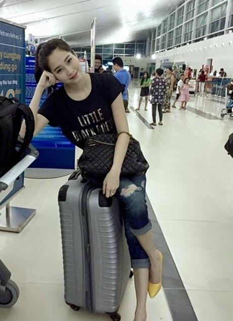 Khong can 'long lon', Hoa hau Thu Thao van am tham choi hang hieu rat dang cap - Anh 11