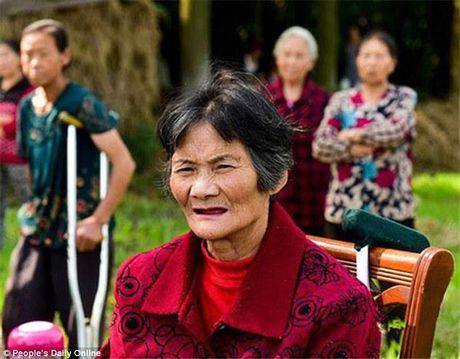 Cay dang canh me gia 73 tuoi kien 4 nguoi con vi ly do bat ngo - Anh 2