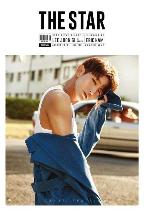 Lee Jun Ki nam tinh, quyen ru 'chet nguoi' tren tap chi - Anh 9